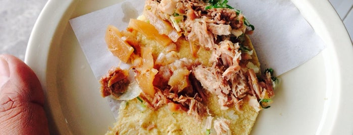 Carnitas Don Poncho is one of AlexTRTさんの保存済みスポット.