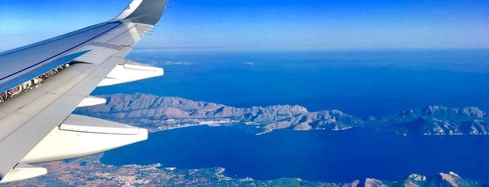 Tarmac Palma Airport is one of Locais curtidos por V͜͡l͜͡a͜͡d͜͡y͜͡S͜͡l͜͡a͜͡v͜͡a͜͡.
