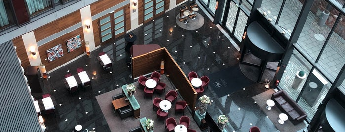 Hotel Eurostars Berlin is one of V͜͡l͜͡a͜͡d͜͡y͜͡S͜͡l͜͡a͜͡v͜͡a͜͡'ın Beğendiği Mekanlar.
