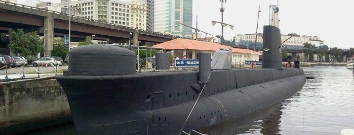 Espaço Cultural da Marinha is one of compartilhar com amigos.
