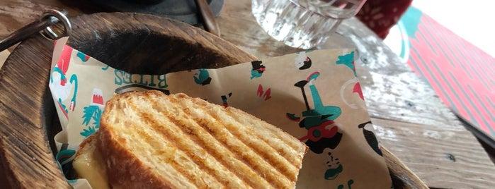 Bites & Brews is one of Orte, die Maria Grazia gefallen.