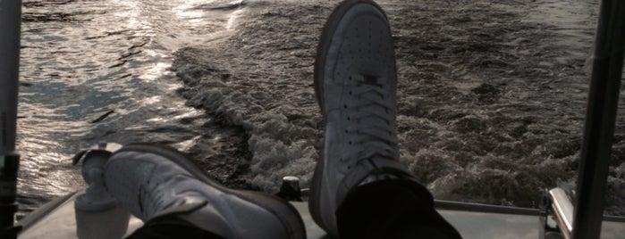 Морской яхт-клуб is one of Posti che sono piaciuti a Ivan.