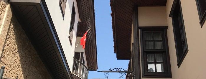 Antalya Kültür Varlıklarını Koruma Bölge Kurulu Müdürlüğü is one of Lugares favoritos de Papyon Cicek / Kemer.