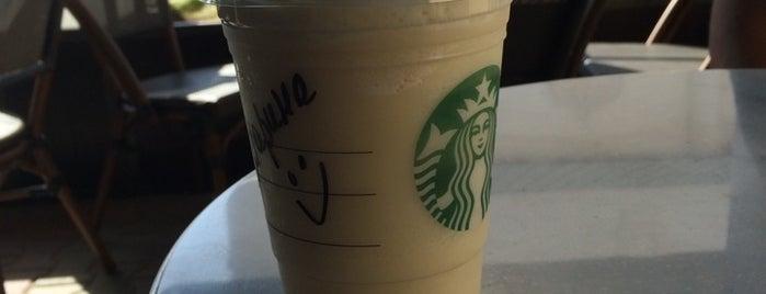 Starbucks is one of สถานที่ที่บันทึกไว้ของ Алексей.