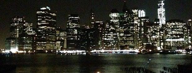 Brooklyn Heights Promenade is one of lost in brooklyn(fun) - NY airbnb.