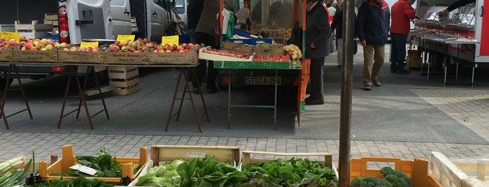 Wochenmarkt Wandsbek is one of Orte, die Daniel gefallen.