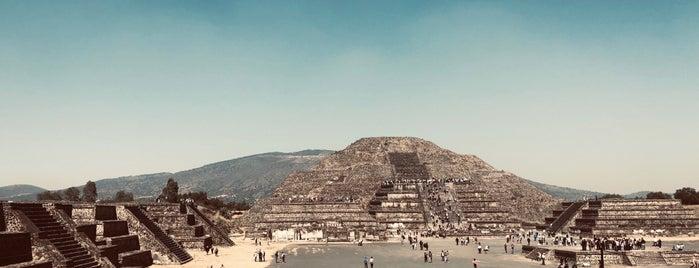 Zona Arqueológica de Teotihuacán is one of Orte, die Iris gefallen.