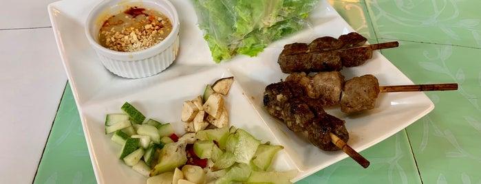 Viet-Hue Kitchen is one of Posti che sono piaciuti a Ari.