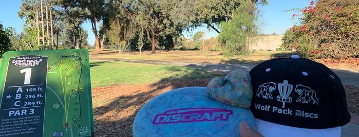 Huntington Beach Disc Golf Park is one of Daniel 님이 좋아한 장소.