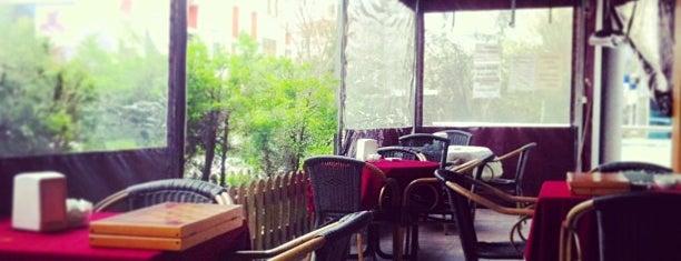 Cafe Deniz is one of AliCan 님이 좋아한 장소.