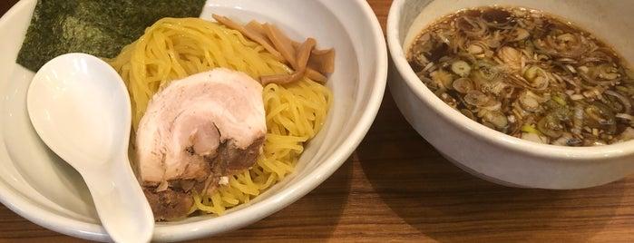 麺家 さざんか is one of Lieux sauvegardés par Hide.