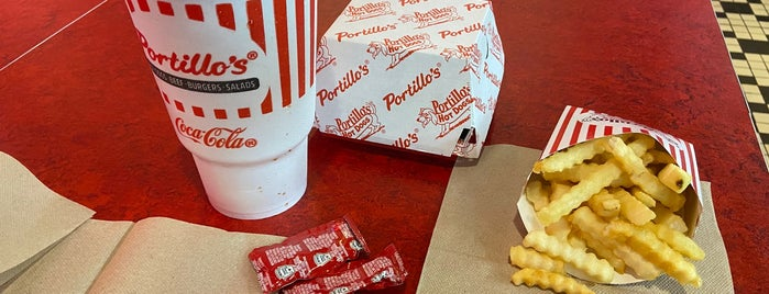 Portillo's Hot Dogs is one of Quad cities, Iowa.
