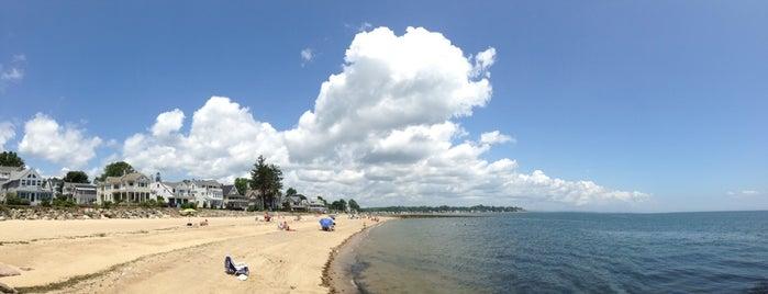 Woodmont Beach is one of Vegan'ın Beğendiği Mekanlar.