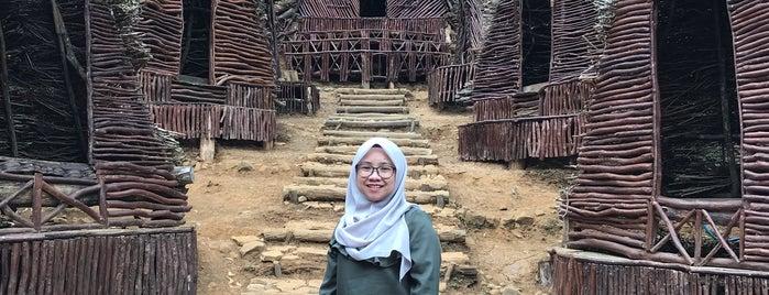 Seribu Batu Songgo Langit is one of Lieux qui ont plu à Juand.
