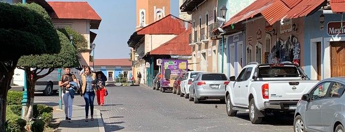 Calle de los Artistas is one of real del monte.