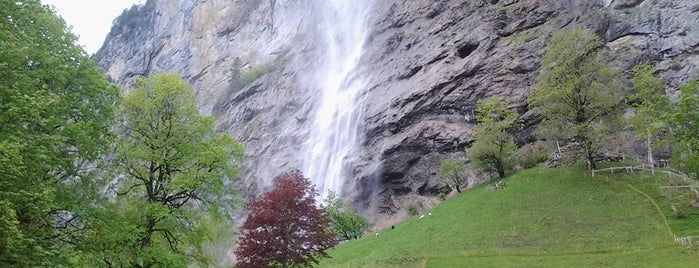 Staubbachfall is one of Lugares favoritos de Angela Teresa.