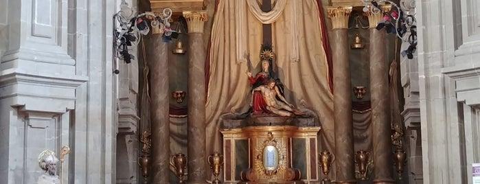 Igrexa de San Fructuoso (das Angustias de Abaixo ou da Real Angustia) is one of Les chemins de Compostelle.