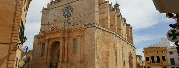 Catedral de Santa María de Ciutadella is one of Orte, die Nuri gefallen.
