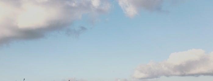 Tempelhofer Feld is one of Allemagne ♥︎.