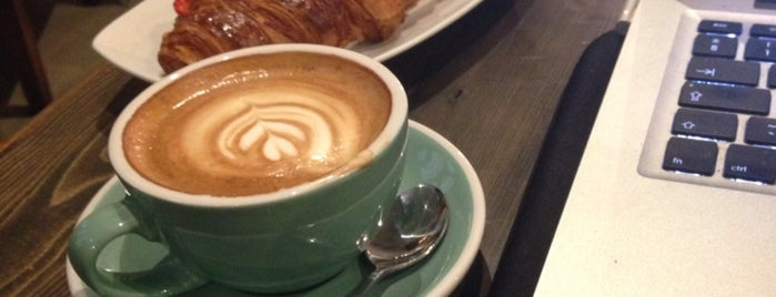 200 Degrees Coffee is one of สถานที่ที่ Robert ถูกใจ.