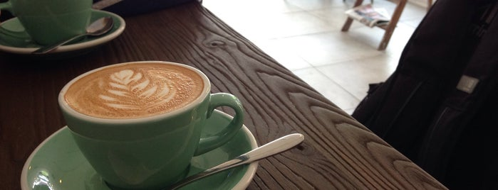 Greenhood Coffee House is one of สถานที่ที่ Robert ถูกใจ.