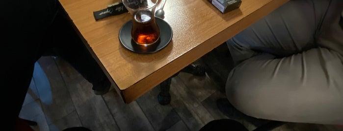 Quyiz Cafe & Restaurant is one of Bir Gurmenin Seyir Defteri.