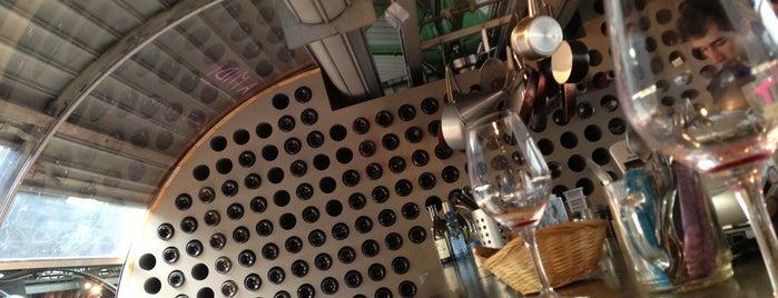 Versant Vins is one of Paris.