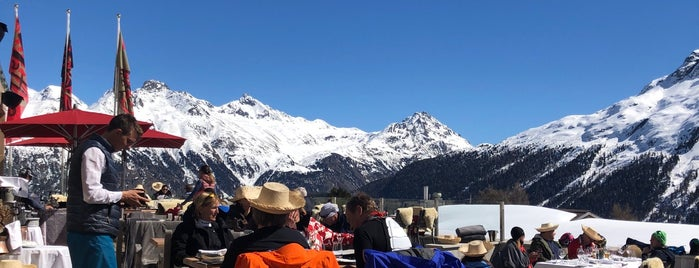 Checha Restaurant & Club is one of St.moritz.