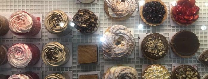 Vanilla Pastry Shop   شیرینی وانیلا is one of Lieux qui ont plu à Nora.