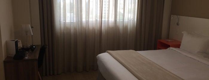 Hotel Intercity Curitiba is one of Lugares favoritos de Luis Gustavo.