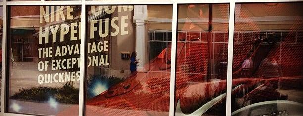Nike Factory Store is one of Posti che sono piaciuti a David.