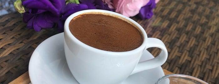 Loca Cafe & Restaurant is one of สถานที่ที่ Mehmet Ali ถูกใจ.