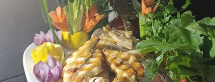 Kule Seafood Restaurant is one of Gespeicherte Orte von Fuat.
