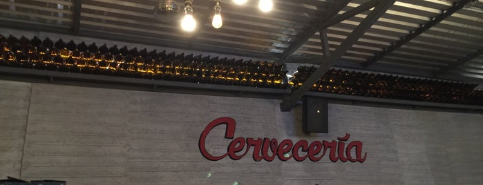 Cerveceria La Mexico is one of Cesar 님이 좋아한 장소.