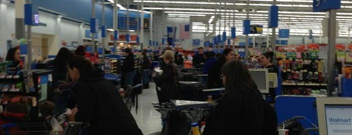 Walmart Supercenter is one of Orte, die Nicholas gefallen.