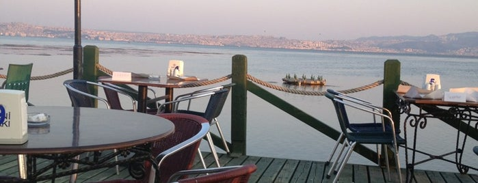 Deniz Kent Restaurant is one of Lugares favoritos de Umut.