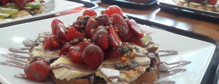 Ab'bas Waffle is one of Konya'da Café ve Yemek Keyfi.