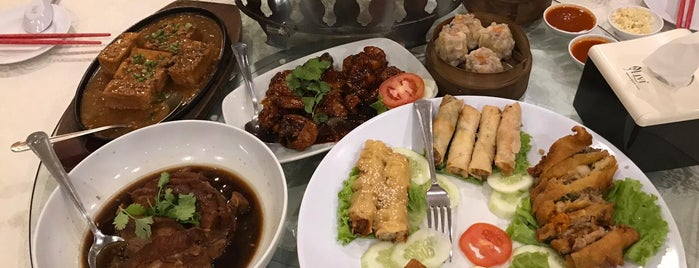 Delima Restaurant is one of Food.