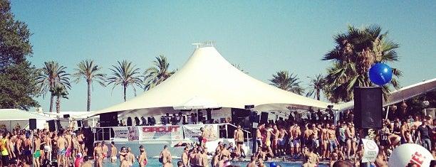 Atlántida Beach Club is one of Barca Nightlife.
