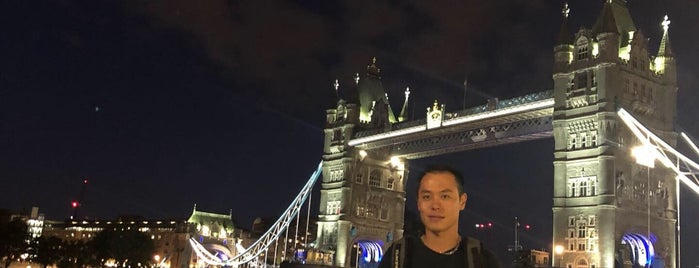 hub London Tower Bridge is one of Richard'ın Beğendiği Mekanlar.