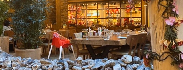 Nevada Steakhouse & Barbekü is one of KEBAPCILAR.