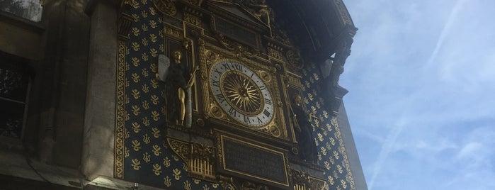 L'Horloge du Palais de la Cité is one of Valeさんの保存済みスポット.