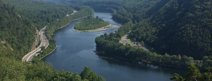 Delaware Water Gap National Recreation Area is one of National Recreation Areas.