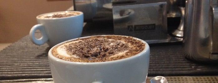 Deodoro Bistrô & Café is one of Coffee & Tea.