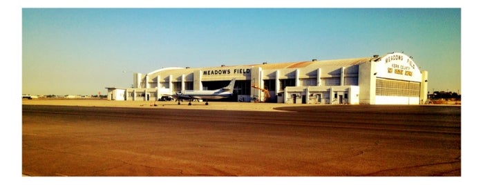 Bakersfield Meadows Field Airport (BFL) is one of US Airports.