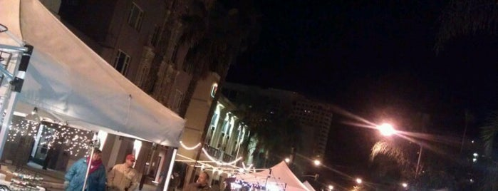 Long Beach Art Walk is one of Tempat yang Disukai Dan.