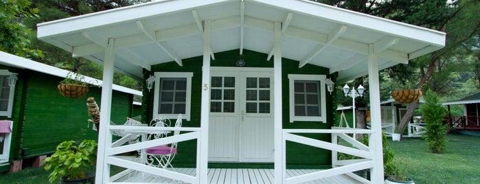 Lukkies Lodge is one of Lugares favoritos de Sadalmelek.