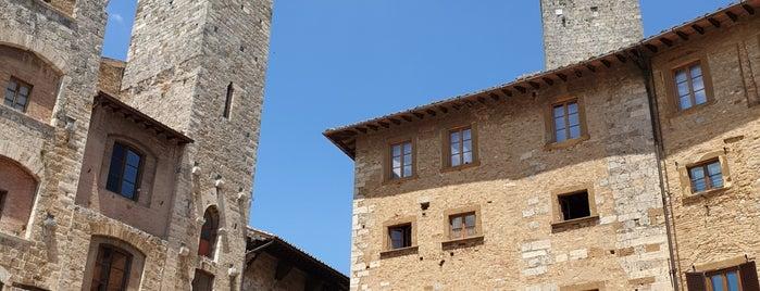 San Gimignano is one of Lugares favoritos de Bahar.