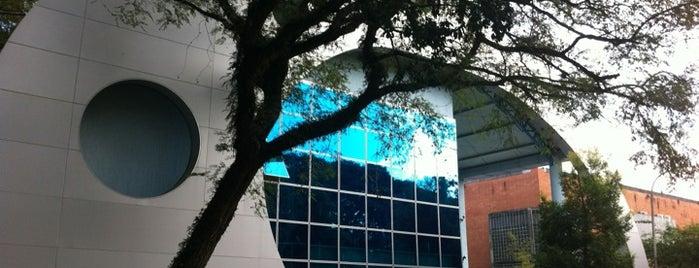 Escola Politécnica da Universidade de São Paulo (EP-USP) is one of A local's guide: 48 hours in São Paulo.