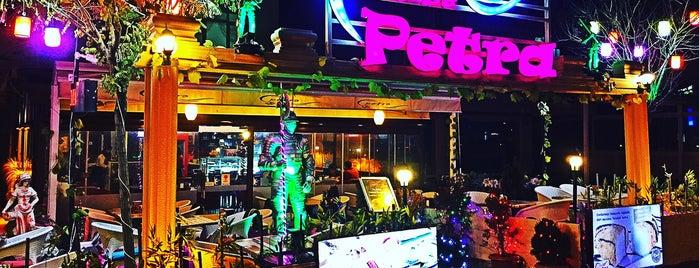 Cafe De Petra Bistro & Cafe is one of Lieux sauvegardés par 🆉🅴🆈🅽🅴🅻.